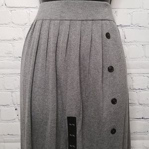 NWT Banana Republic knit Pleated skirt